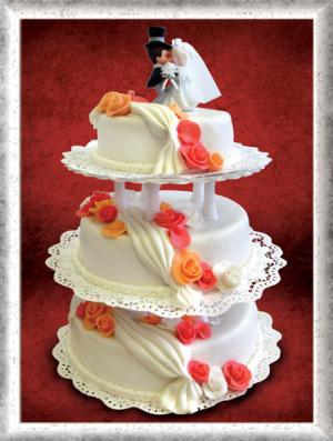 Hochzeitstorte 3-stöckig, Fondant, orange-rote Rosen