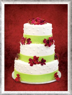 Hochzeitstorte, 3-stöckig, Fondant, rote essbare Blüten