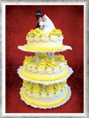 Hochzeitstorte, 3-stöckig, Creme, gelbe Cremerosen, Zuckerperlen