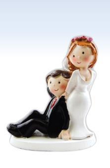 Brautpaar - Mann sitzt, Frau steht